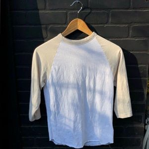 URBAN OUTFITTERS BASEBALL TEE SIZE XS